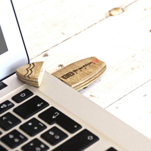 Chiavetta USB handmade surf style