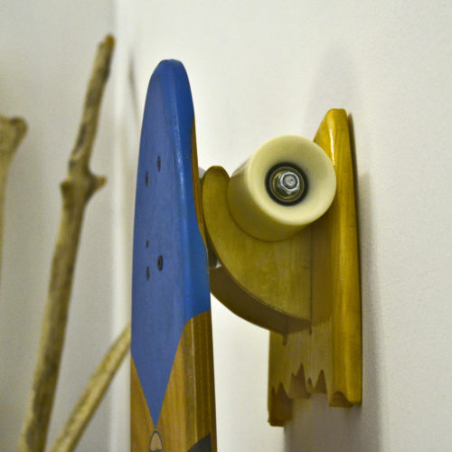 Porta skateboard in legno – wood Skate rack