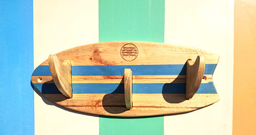 Appendi abiti tavola da surf